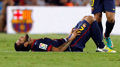 ¡Daniel Alves se volvió a lesionar!