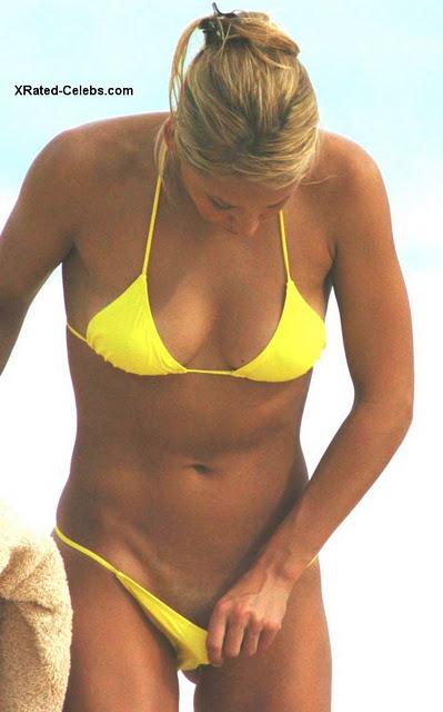 Anna Kournikova Hot Wallpaper Wardrobe Malfunction Pics Bikini S
