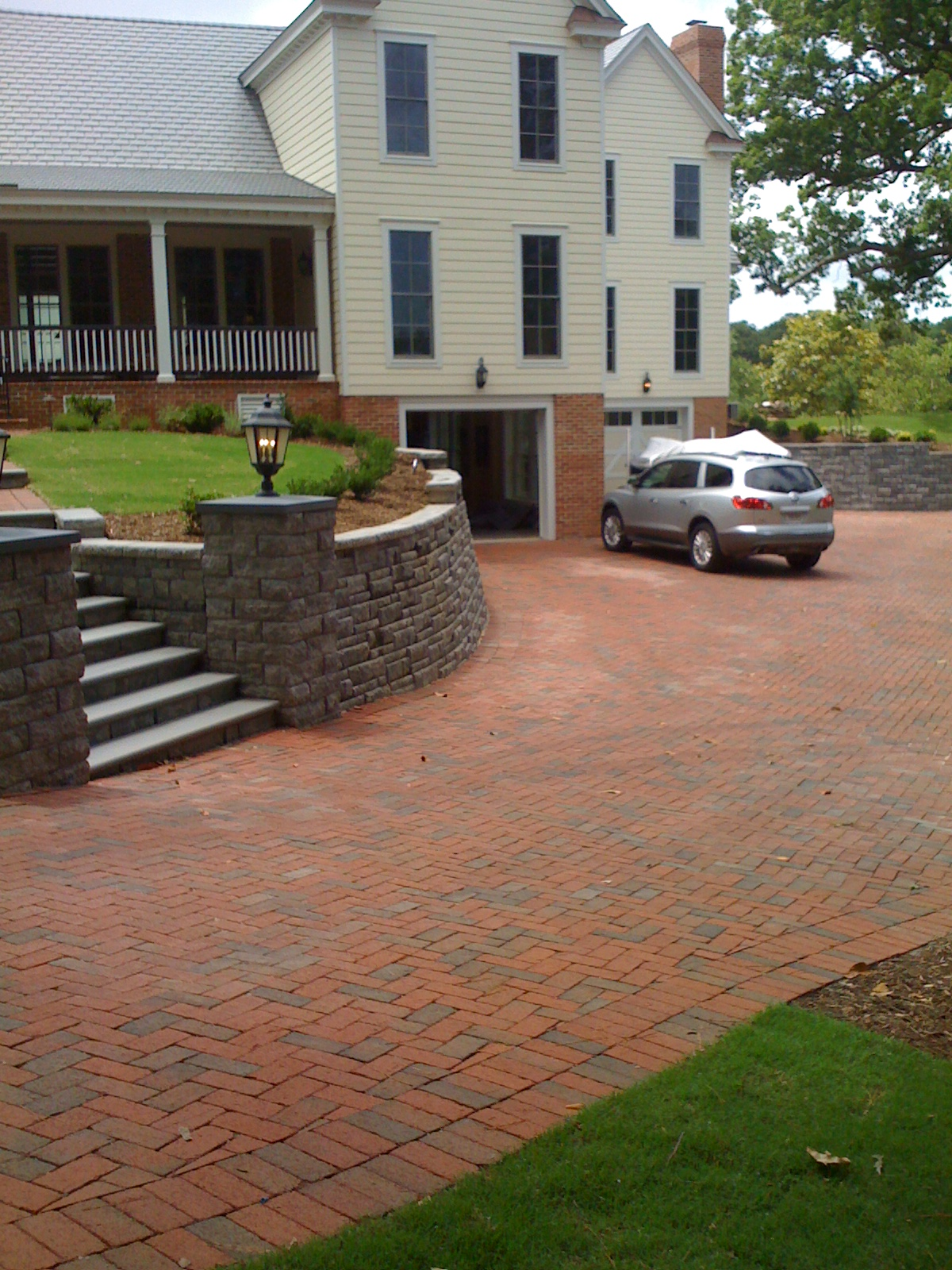 Brick Driveway Image สิงหาคม 2013