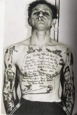 tattoo antiga pergaminho
