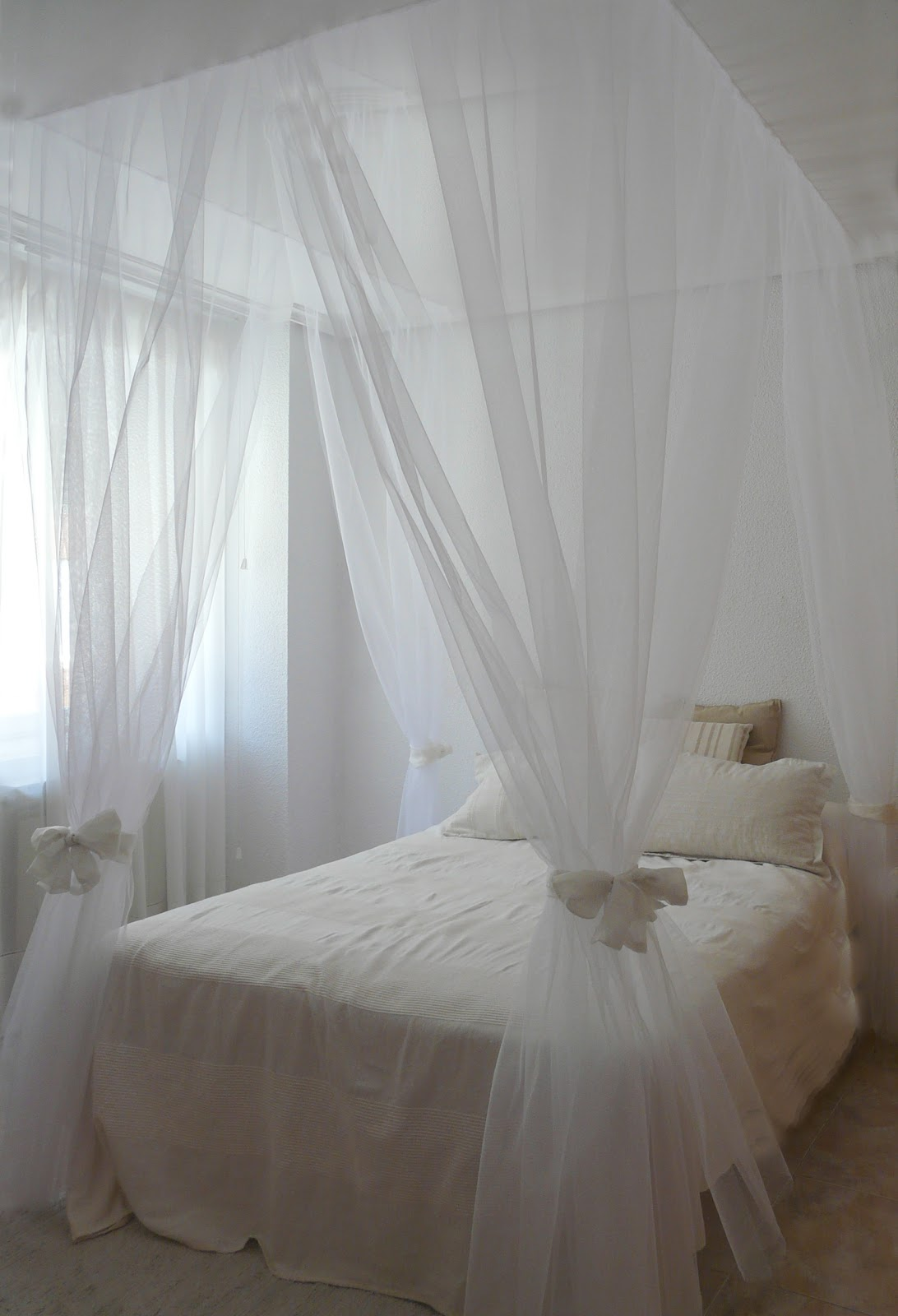 Como hacer una cama dosel de forma r pida y sencilla - Como hacer un pabellon para cama ...