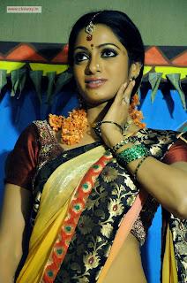 Madhumati-Heroine-Udhaya-Banu-Stills