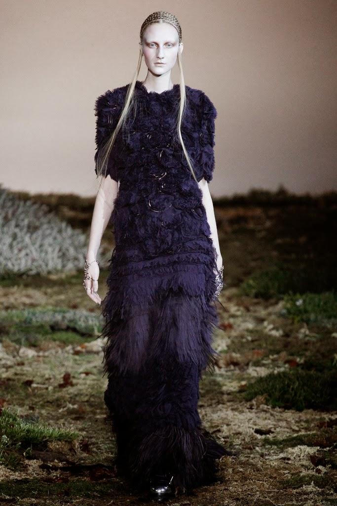 Alexander McQueen Paris Fashion Week Otoño Invierno 2014-2015 9