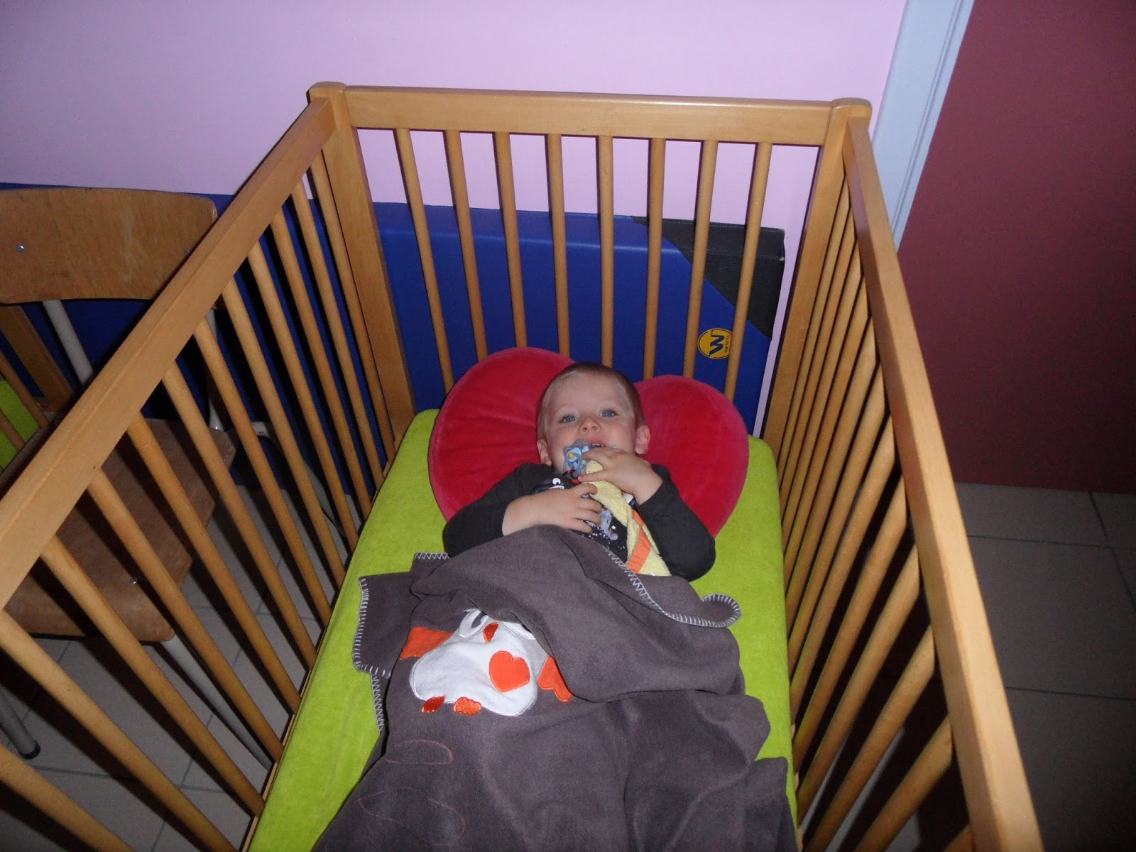 ecole communale maternelle le nid houtaing. Black Bedroom Furniture Sets. Home Design Ideas