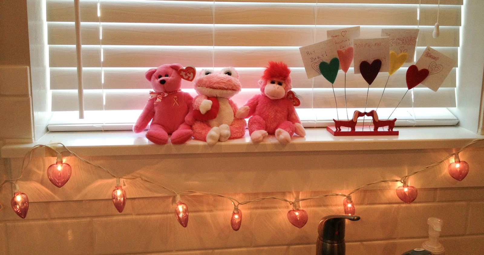 valentines, valentines day, red, pink, valentines decor, fashion blog, fashion blogger, style blog, style blogger, mens fashion, mens fashion blog, mens style, mens style blog, womens style blog, anthropologie ootd blog, anthropologie ootd, anthropologie, ootd, mens ootd, womens ootd,