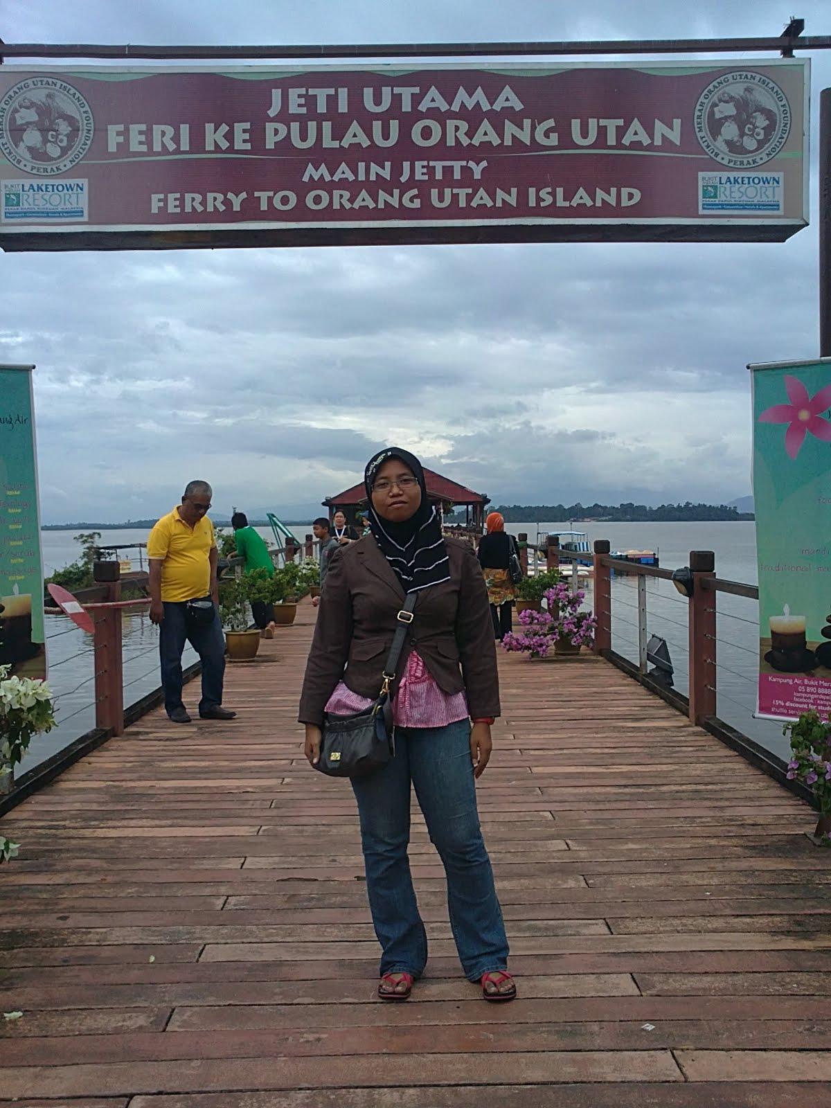Pulau Orang Utan, Bukit Merah