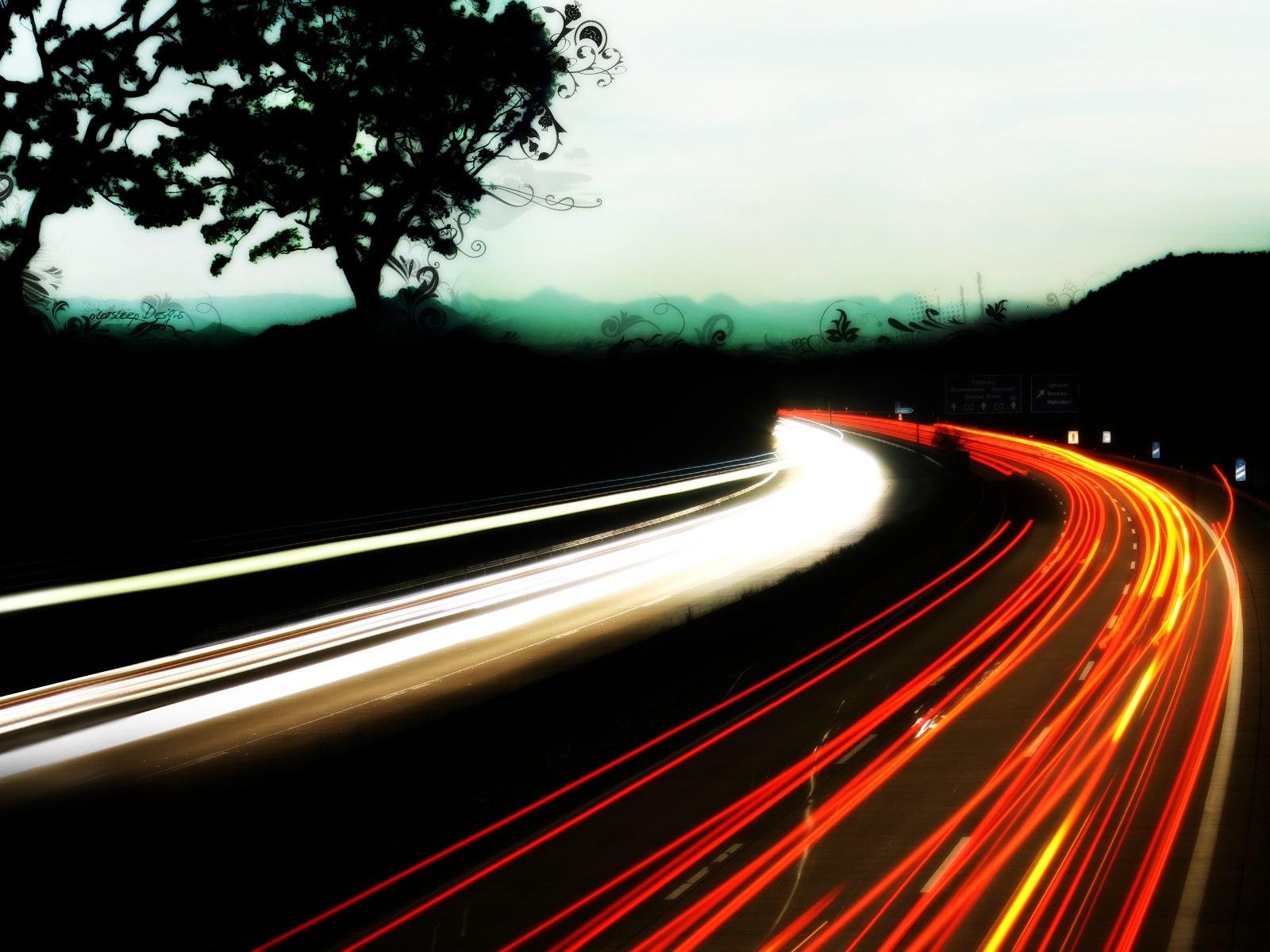 http://2.bp.blogspot.com/-BYUVhTNKmV0/TVk9Uda77kI/AAAAAAAABWs/EFwEJz638EE/s1600/abstract_car_taillights-1600x1200.jpg