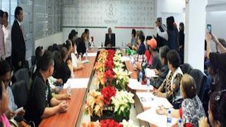Familiares de desaparecido se entrevista con el fiscal general de Veracruz