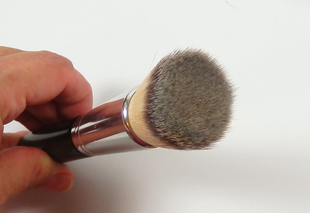 Coastal Scents Bionic Flat Top Kabuki brush
