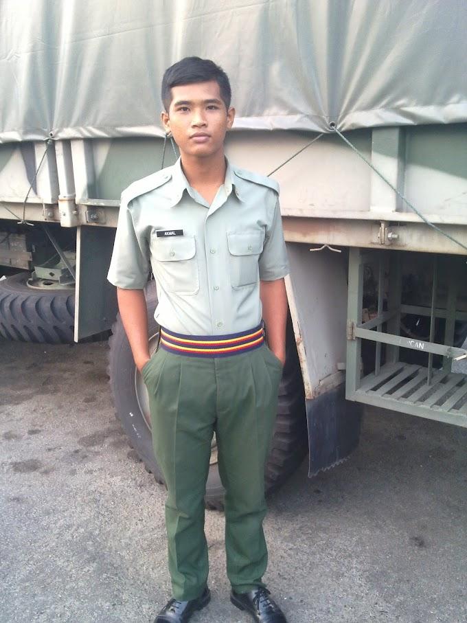 Banyaknya pakaian seragam tentera  @_@