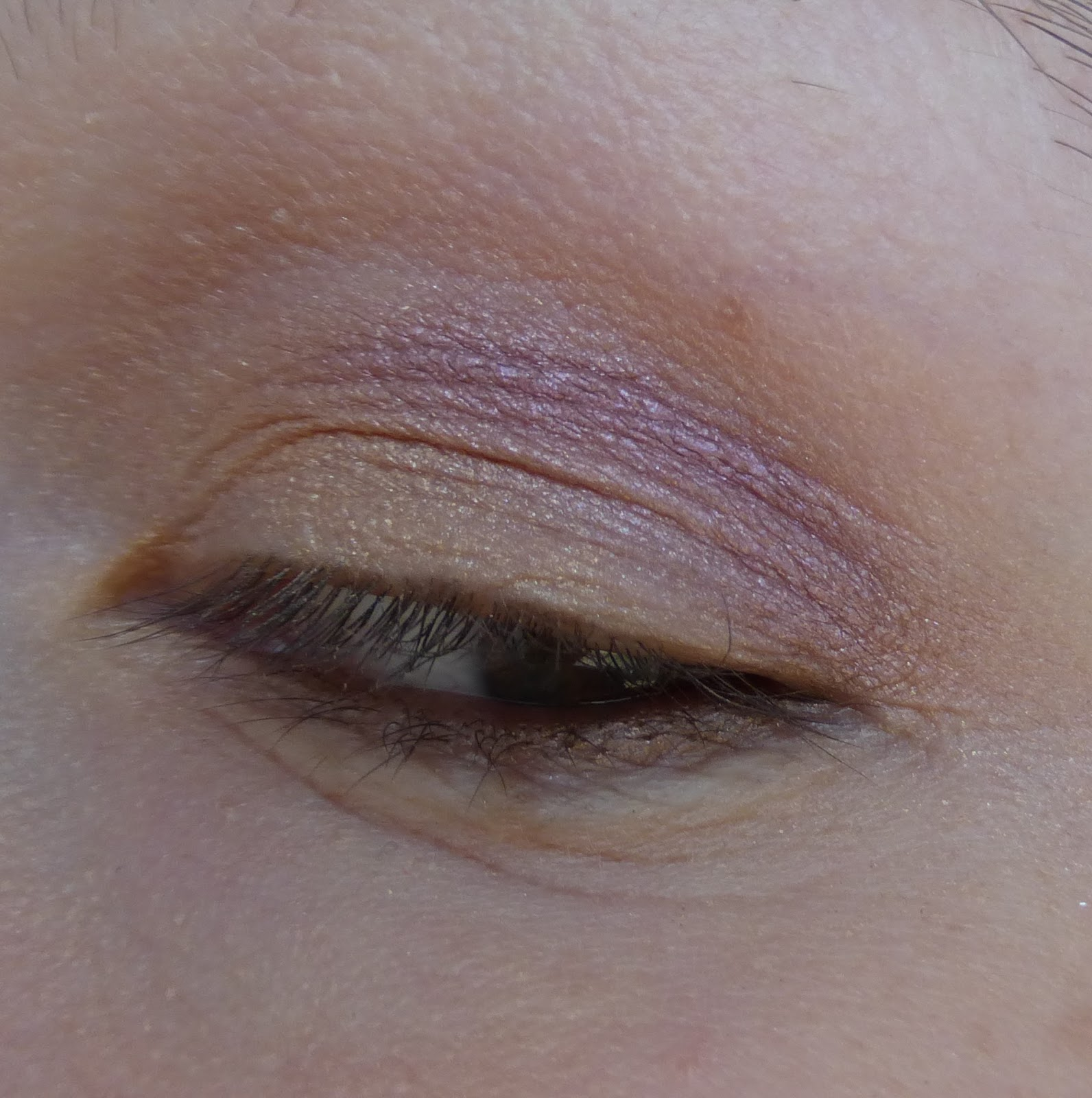 Как правильно и ровно рисовать стрелки на глазах: пошаговое 32