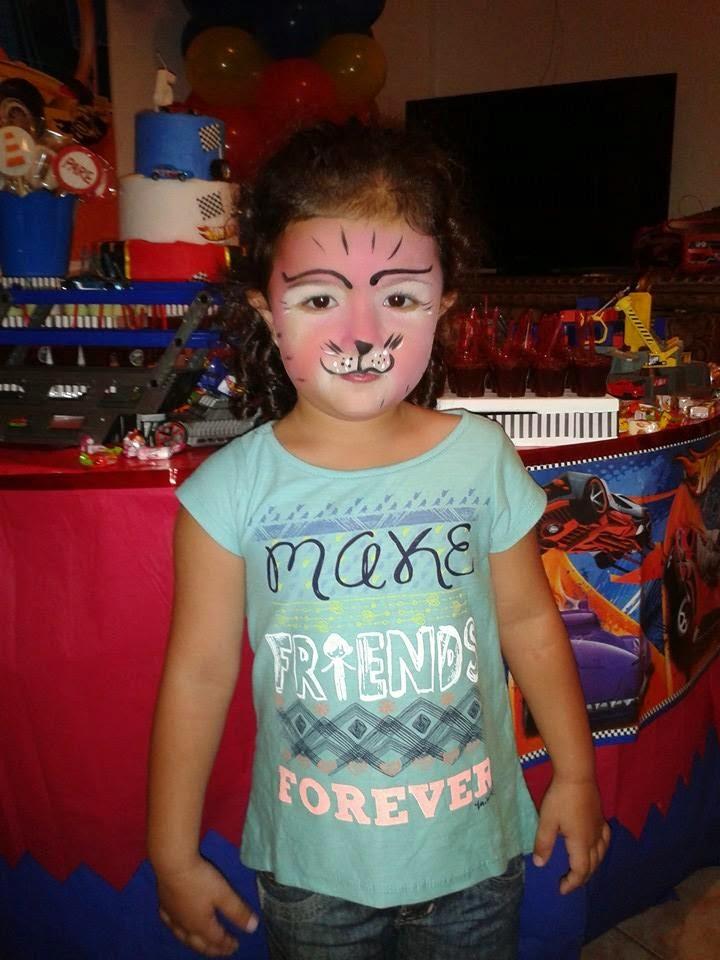 Pintura Facial de Gatinha.