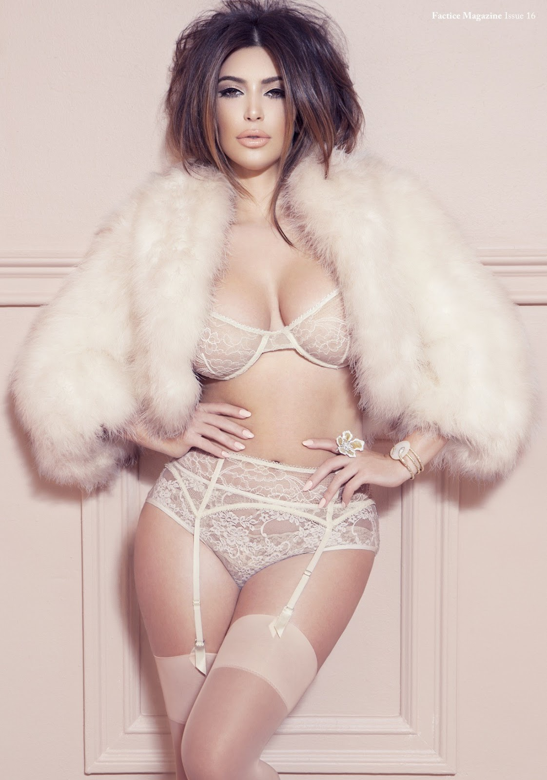 http://2.bp.blogspot.com/-BZCkJs-Ko8Y/UMmFxB9DoyI/AAAAAAABgQo/K3H7X39PQ1k/s1600/Kim-Kardashian-22.jpg
