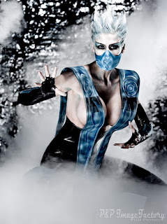Marie-Claude Bourbonnais as Frost