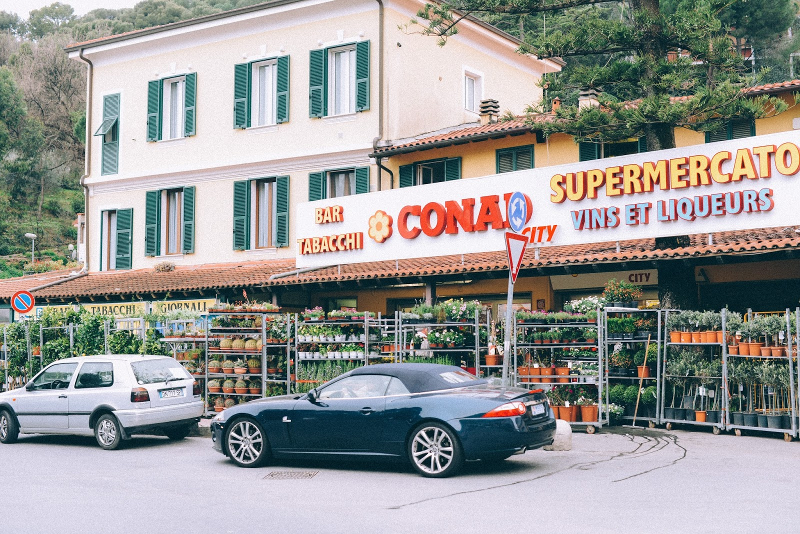 Conad market Latte