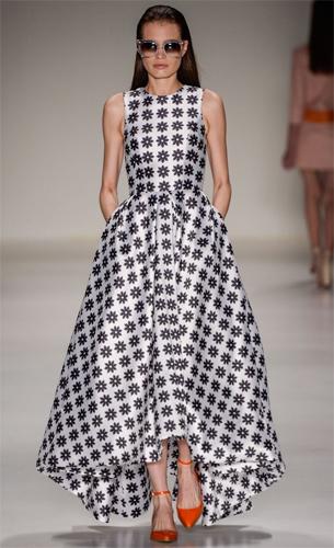 PatBo coleção Verão 2016 vestido longo com estampa p&b
