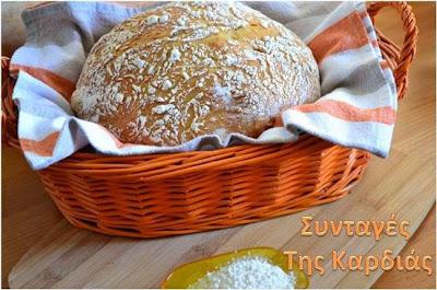 Ψωμί στην γάστρα χωρίς ζύμωμα