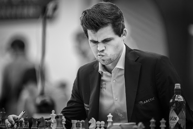 Magnus Carlsen durante el Qatar_Masters 2015