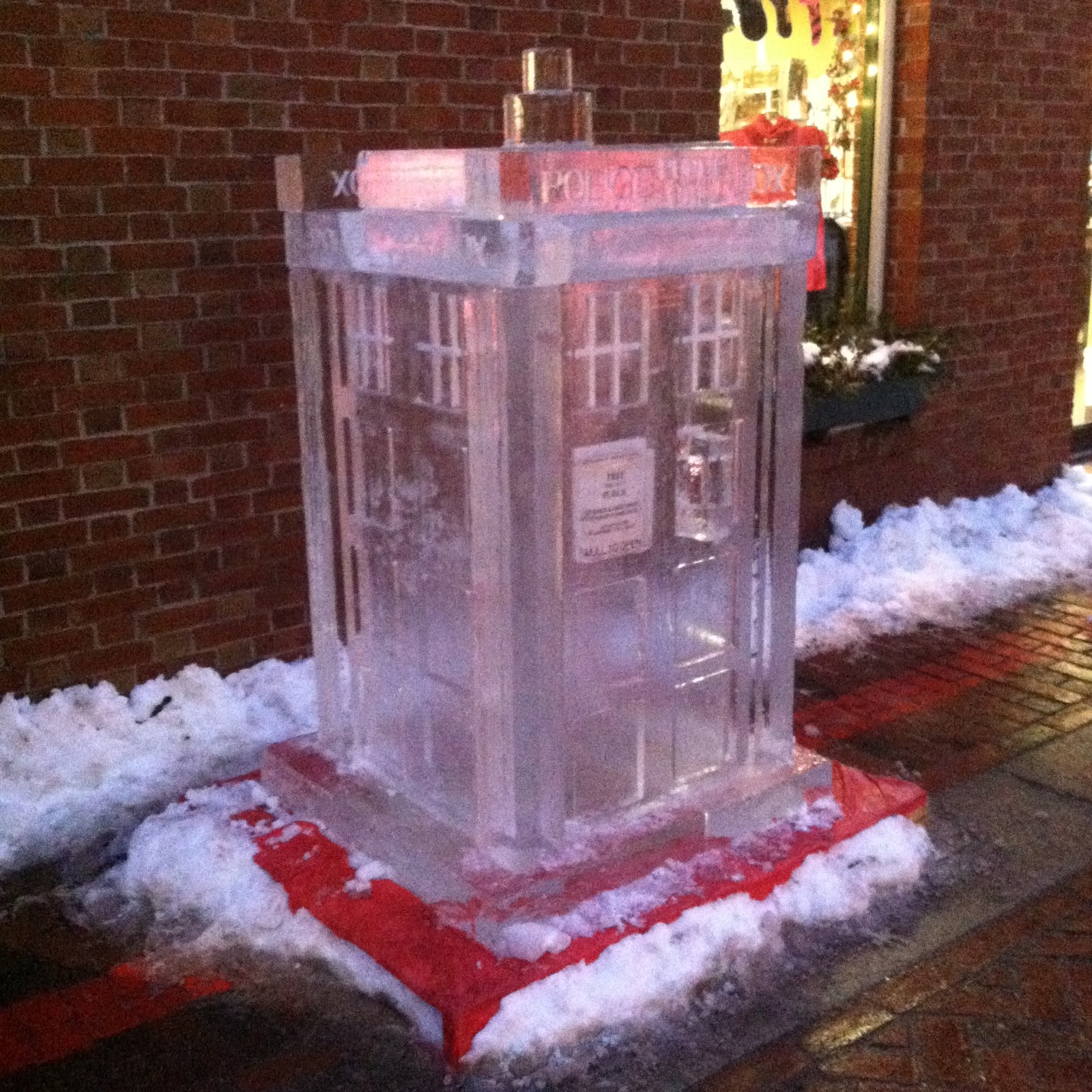 Doctor Who TARDIS ice sculpture