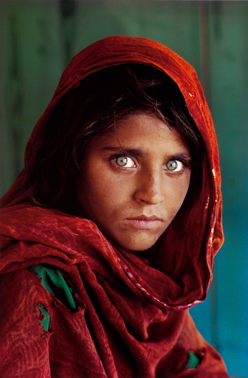 Sharbat Gula 1984 - Afghan Girl by Steve McCurry