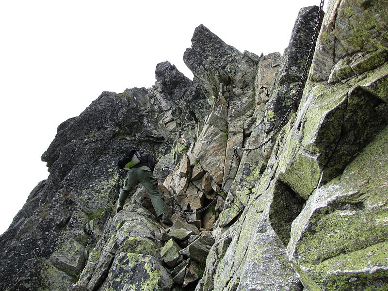 Zejście na Kozią Przełęcz Wyżnią.