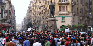 protestors-in-Talaat-Harb-Square