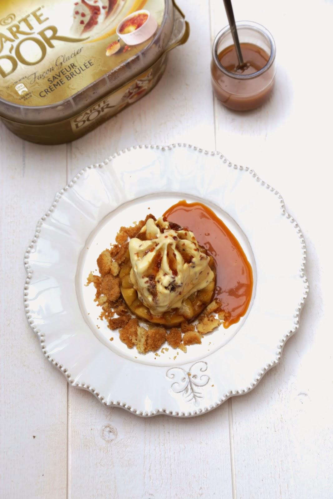 Tatin de pommes, coulis de caramel au beurre salé, Crème Glacée Carte d'Or Façon Glacier Saveur crème brûlée