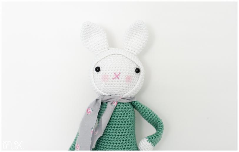 muñeca amigurumi conejita