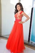 Vithika Sheru glamorous Photo shoot-thumbnail-4