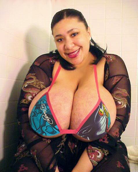 Black Busty Babes: Honey Juggs Black BBW Huge Boobs 42H: blackbustyblack.blogspot.com/2012/10/honey-juggs-black-bbw-huge...