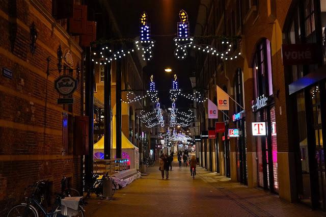 Afbeelding van de Waagstraat in Groningen.