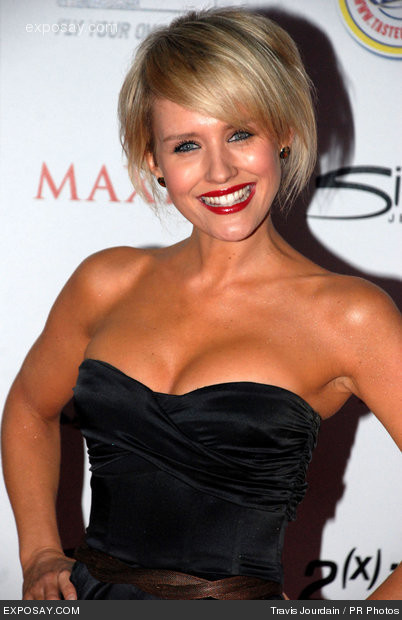 Hot images of nicky whelan hot unseen
