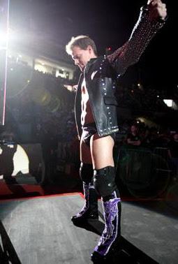 Resultados Bloody Holiday Chris_Jericho_vs__Kofi_Kingston_WWE_RAW_World_Tour_February,_2012_Abu_Dhabi_9-2-2012_(1)
