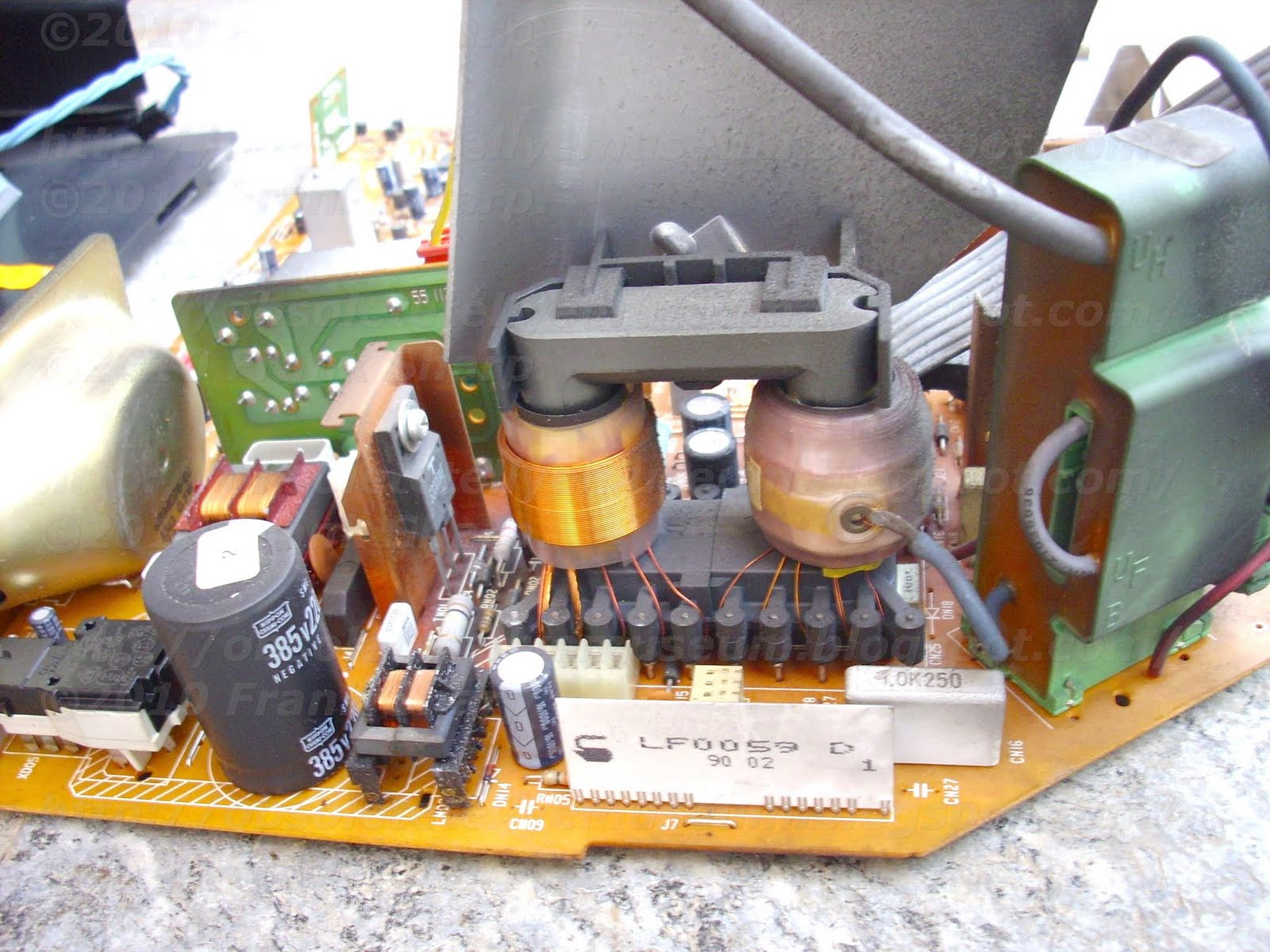 Obsolete Technology Tellye Salora 15l30 Type L30a Chassis L Negative Pulse Will Provide A On Off Output Regulated Power Supply For Television Receiver Includes Transformer Having Primary Winding Coupled To Source Of Unregulated Voltage