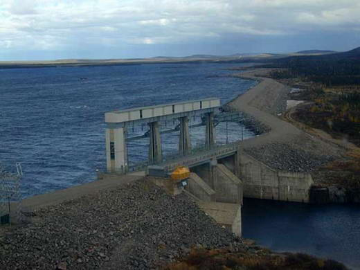 Terbesar di provinsi ini dan merupakan sumber dari sungai churchill