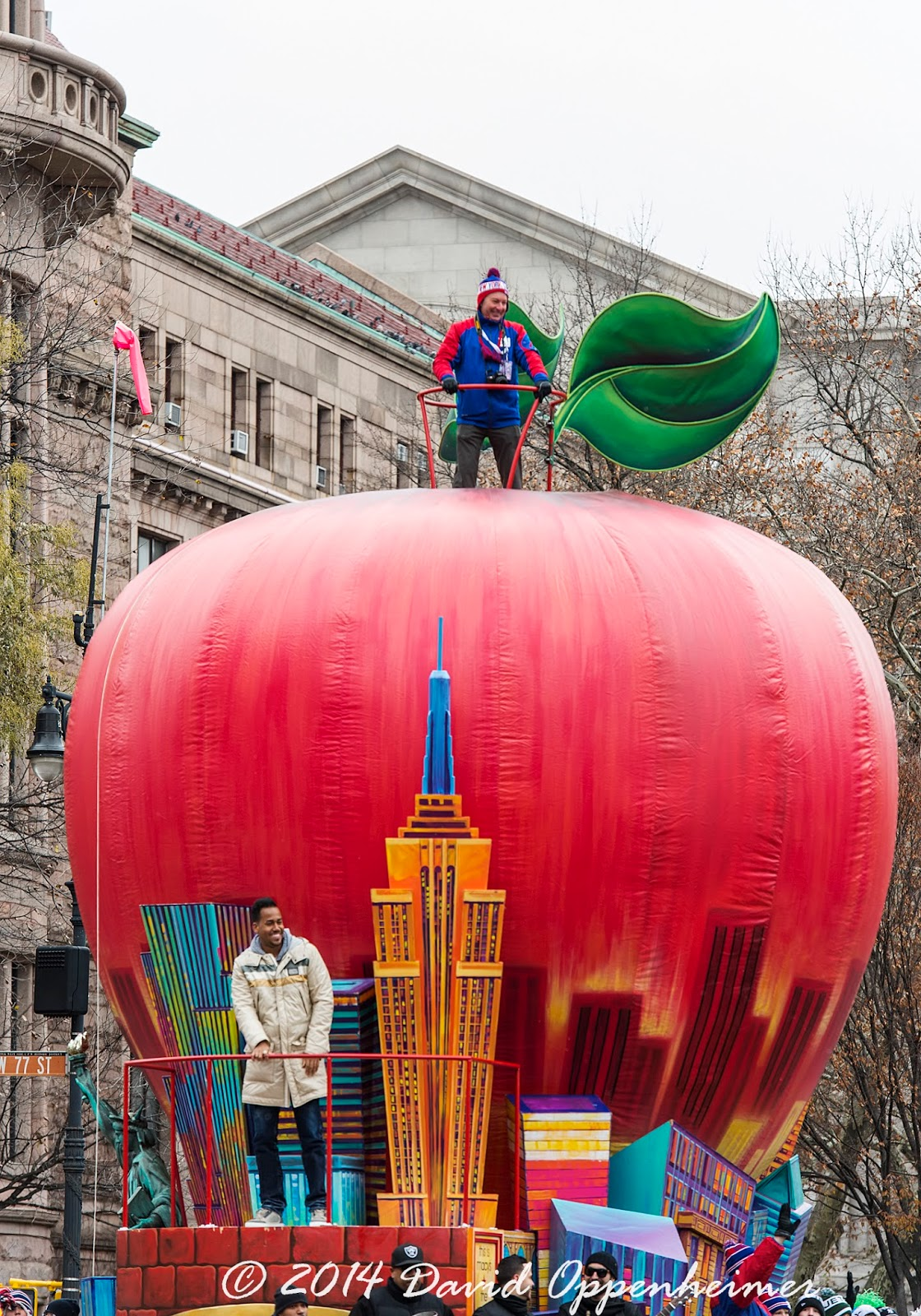 Big Apple by NY Daily News