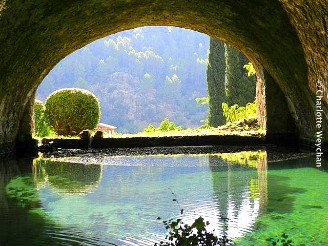 The galloping gardener gardens of alfabia a moorish for Jardines mallorca