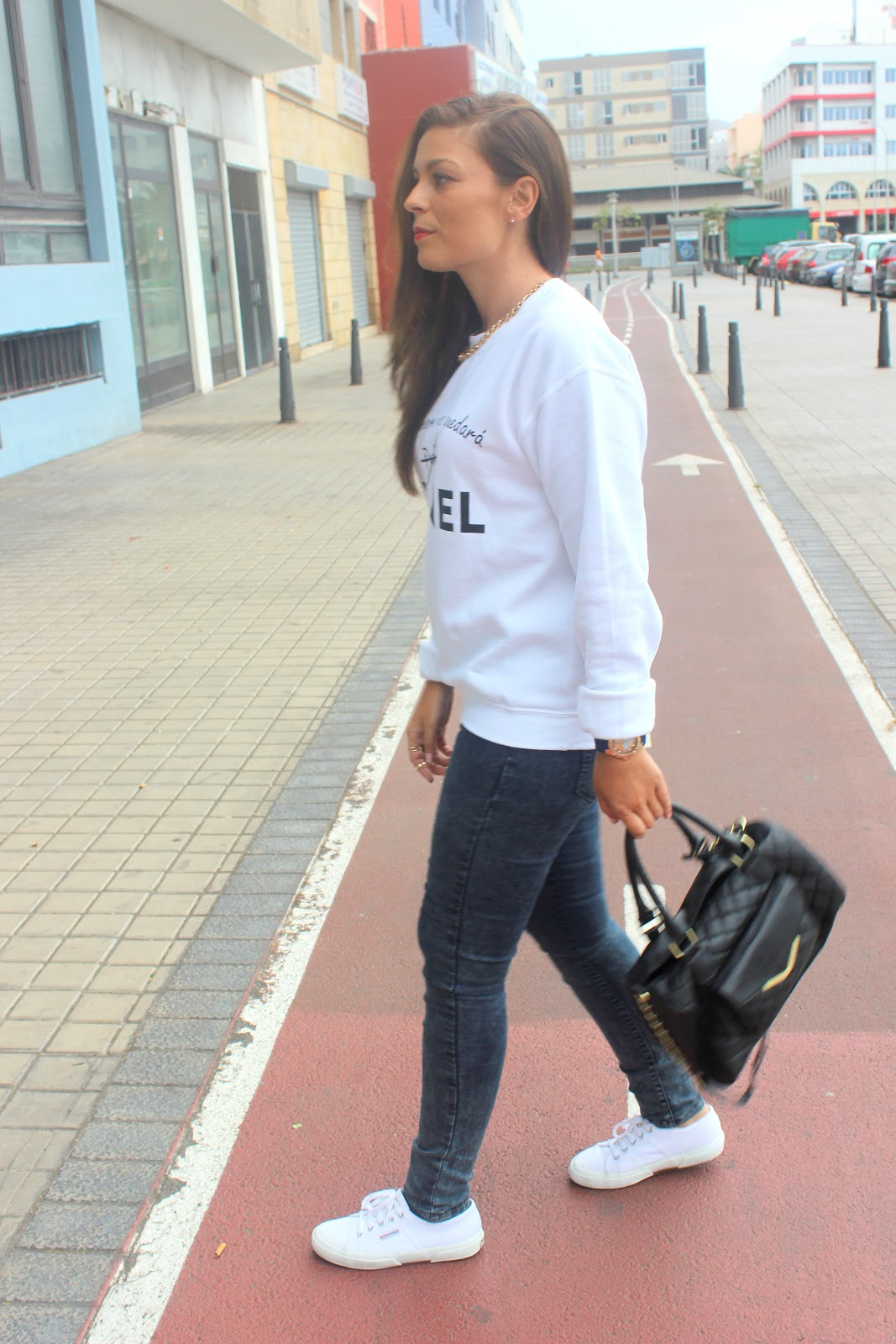 White_Sweater_Look_The_Pink_Graff_06