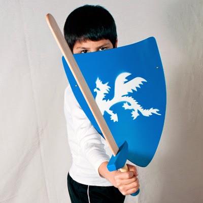 escudos y espadas medievales