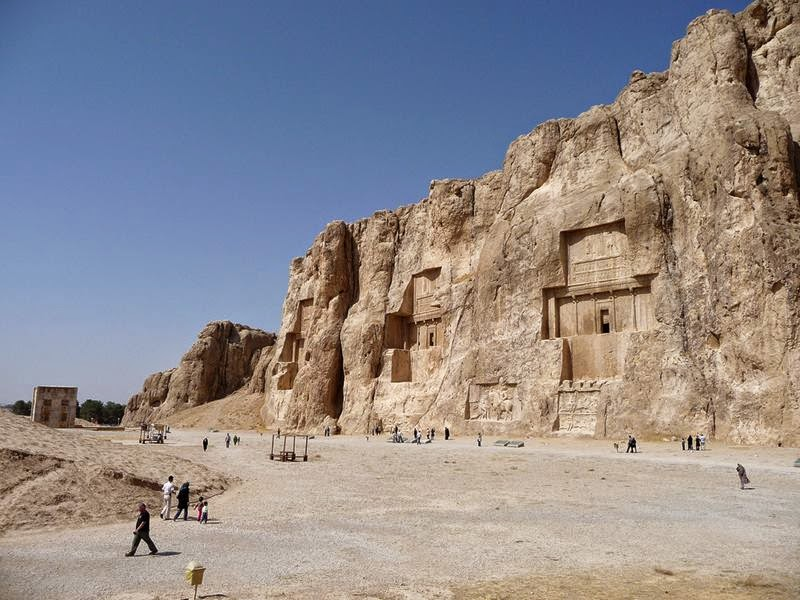 Naqsh-e Rostam, Rock Tombs