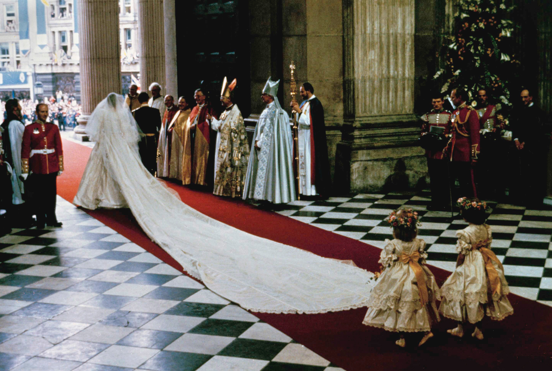 Life in the UK อยู่อย่างไรในอังกฤษ The Royal Wedding