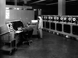 Komputer Komersial Pertama