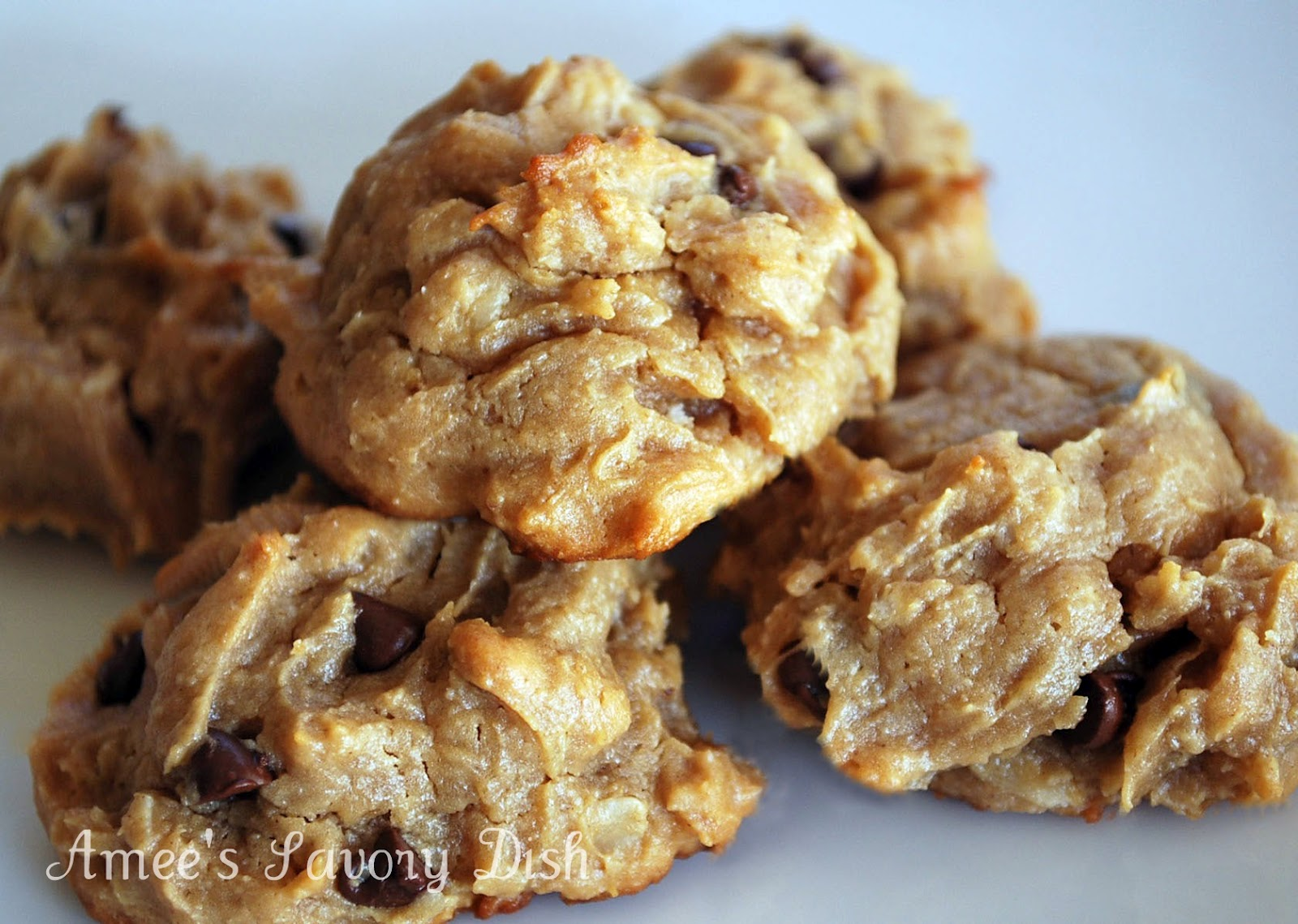 PB Oatmeal Chocolate Chip Cookies- No refined sugar, dairy free ...