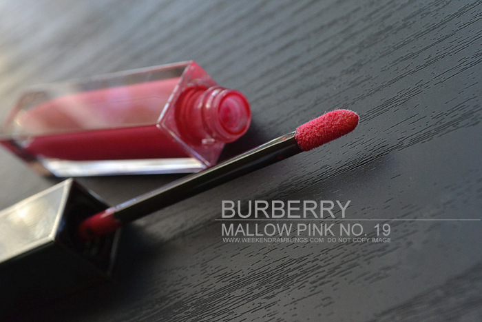 burberry siren red makeup spring summer 2013 lipgloss mallow pink 19 indian beauty blog swatches review fotd looks coral pink