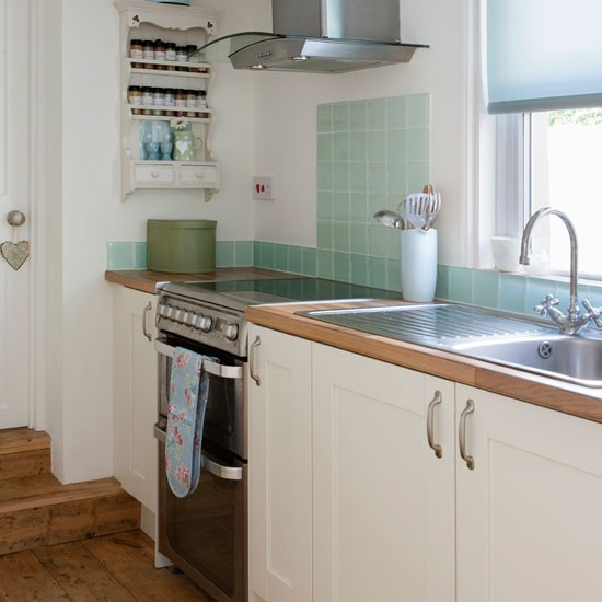 New home interior design be inspired by this victorian for Small victorian kitchen designs