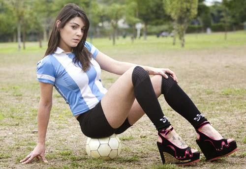 Tips mengatasi kaki lecet akibat sepatu high heels