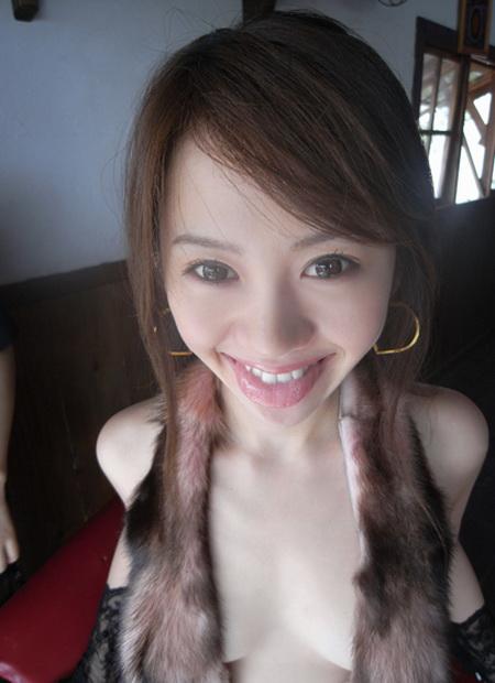 安藤成子這位標準的千金小姐。