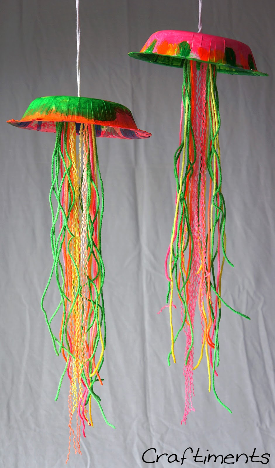 Diy Jellyfish Decorations Craftiments Glow In The Dark Jellyfish Craft