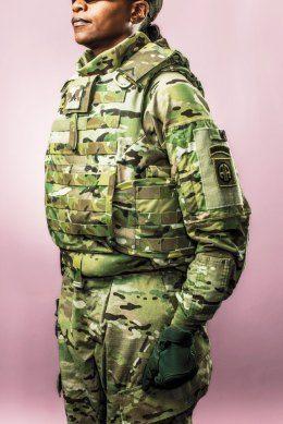22 Penemuan Terbaik Tahun 2012: Baju Perang Bagi Wanita