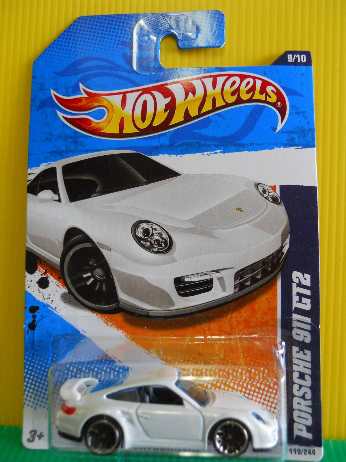dexters diecasts dexdc hot wheels 2011 119 porsche 911 gt2 white. Black Bedroom Furniture Sets. Home Design Ideas